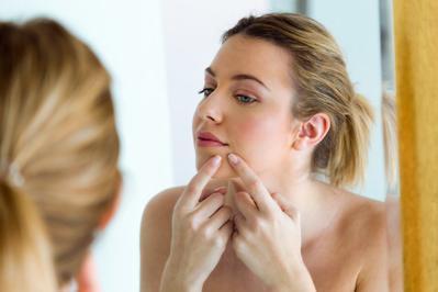 Pasta Gigi Bisa Hilangkan Jerawat Membandel, Mitos atau Fakta?