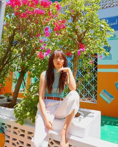 "5 Potret Liburan Si Cantik Kim Bora ""Sky Castle"" Saat di Bali"
