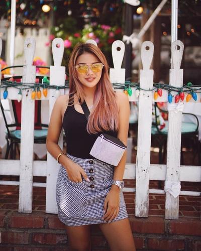 Memukau dengan Rambut Berwarna Pink Keunguan