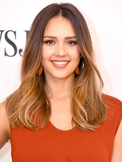 4. Ombre Ketiga Warna (Dark Brown, Golden Brown, dan Blonde)