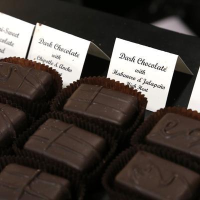6. Coklat Hitam