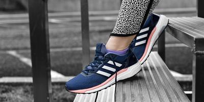 Nyaman untuk Lari, Ini Deretan Sepatu Adidas Wanita Terbaik