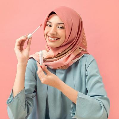Rekomendasi 8 Lipstik Lokal Murah Meriah untuk Pemilik Bibir Hitam