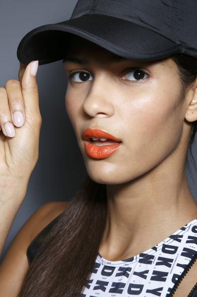 5 Rekomendasi Warna Lip Cream untuk Kulit Sawo Matang