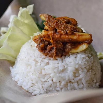4. Dewi Ratih Lesehan