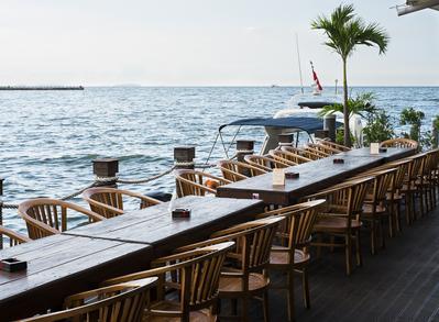 5 Restoran Sea Food di Jakarta dengan View Menawan, Pas untuk Dinner Bareng Pasangan!