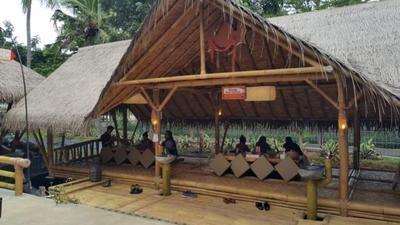 2. Saung Layaran
