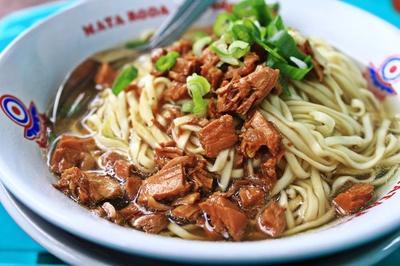 Rekomendasi 5 Tempat Makan Mie Ayam Terhautjek di Jakarta yang Siap Menggoyang Lidah!
