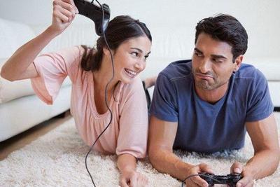 Patut Dicoba! 5 Tips Menghadapi Pacar yang Kecanduan Main Game