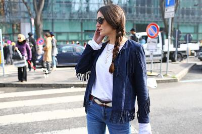 Style Tips: Jaket Detail Rumbai untuk Tampilan Western yang Retro Chic
