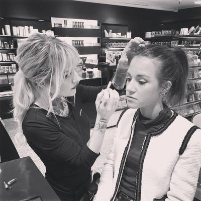 5. Mengikuti Beauty Class dan Makeover
