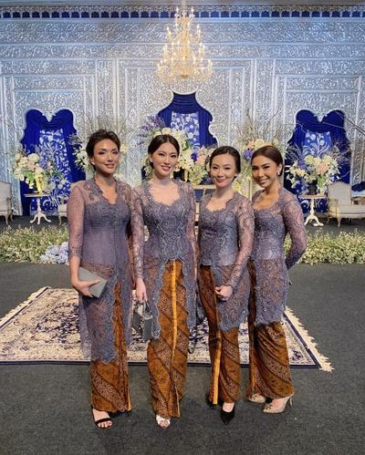 Cara Simple Mix and Match Rok Batik untuk Kondangan, Stylish dan Kekinian