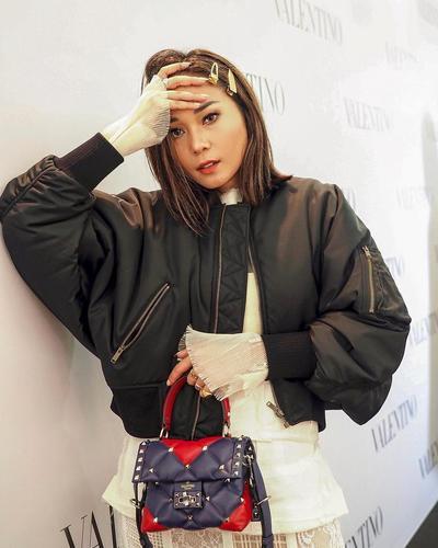 Inspirasi Gaya Chic yang Terlihat Mahal dari Influencer Ayla Dimitri