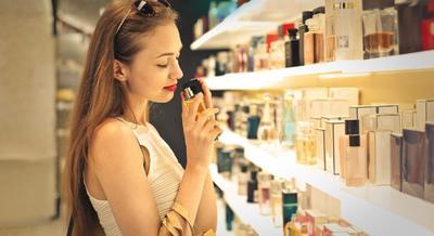 Yuk, Kenali 4 Jenis Parfum dan Perbedaannya, Mana yang Wanginya Tahan Lama?