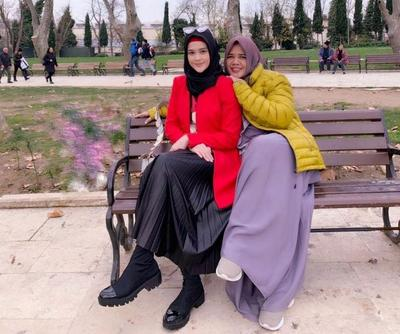 Berlibur Bersama Ibu, Tetap Stylish