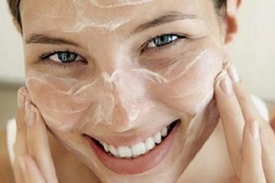 3 Rekomendasi Masker Beras, Perawatan Wajah Terbaik untuk Cerahkan Kulit