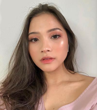 6 Inspirasi Makeup Look Bernuansa Nude ala Beauty Vlogger untuk Pemula