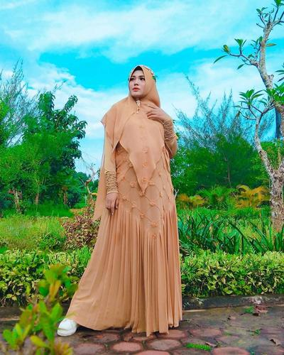Gamis Embroidered Floral
