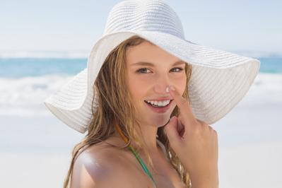Lebih Penting Mana, Sunscreen atau Sunblock?