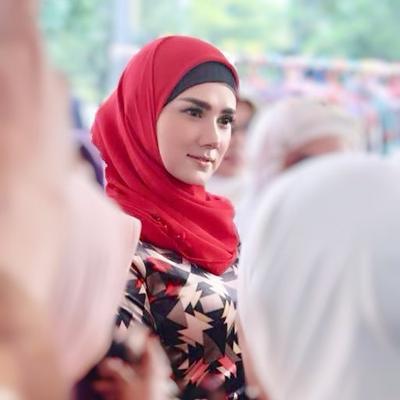 Gak Lagi Tren, Hindari Gaya Hijab yang Bikin Kamu Ketinggalan Zaman Ini