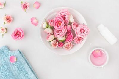 5 Rekomendasi Toner dengan Kandungan Air Mawar yang Melembapkan