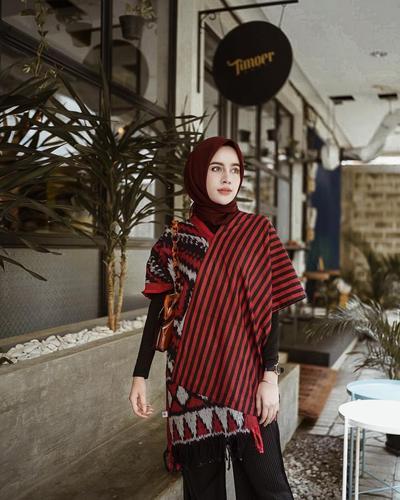 Hijab Modern dengan Sentuhan Etnik, Lihat Inspirasinya dari 5 Hijabers Stylish Ini