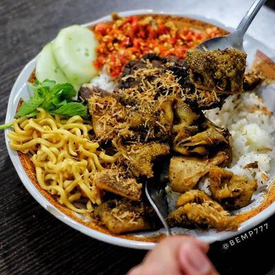 Rekomendasi 8 Kuliner Surabaya Malam Hari Enak & Murah, Gak Pernah Sepi Pembeli!