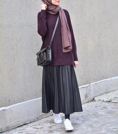 Style Tips: Rok Plisket, Item Fashion Paling Hits untuk Hijabers Saat Ini
