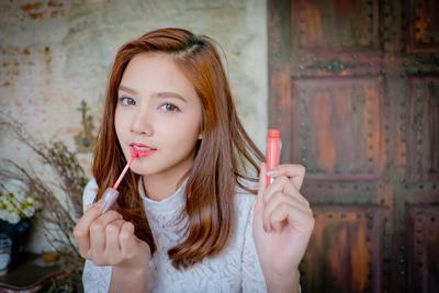 Menumpuk Lipstik