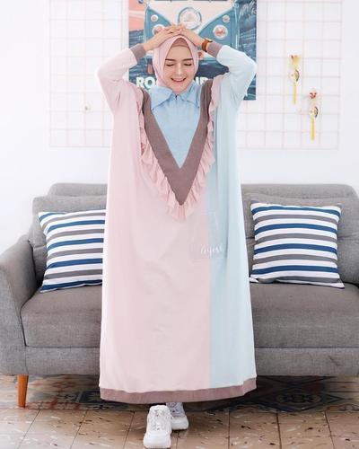 4. Dress Batwing yang Memberi Kesan Leluasa