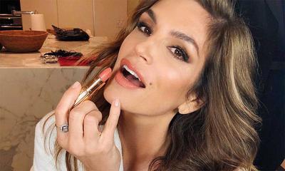 Makeup Anti-Aging untuk Wanita Usia 50-an Agar Tampak 10 Tahun Lebih Muda