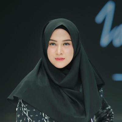 3.  Zaskia Sungkar