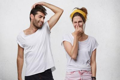 [FORUM] Risih banget gak sih kalo keringetan nyeplak di baju?