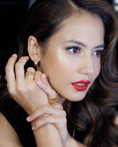 6 Rekomendasi Lipstik Lokal Warna Merah untuk Tampil Stunning