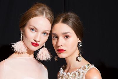 Buat Wajah Fresh, 4 Pilihan Warna Lipstik untuk si Kulit Pucat