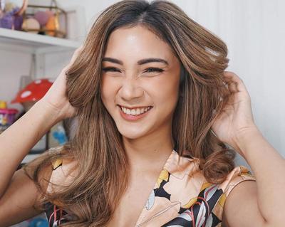 6 Inspirasi Makeup Look ala Beauty Vlogger Stefany Talita, dari Daily - Glam Look