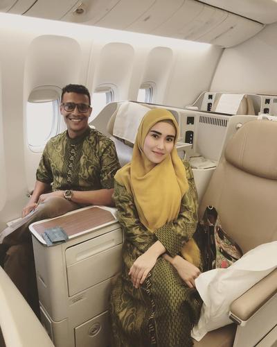 Hijab Syar'i dengan Gamis Batik