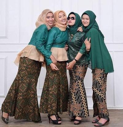 Klasik dan Elegan, Inspirasi Model Rok Batik untuk Kondangan