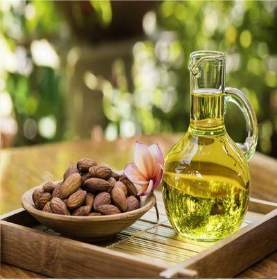 Kalau Belum Tahu, Ternyata Almond Oil Ampuh Atasi Lingkaran Hitam Mata