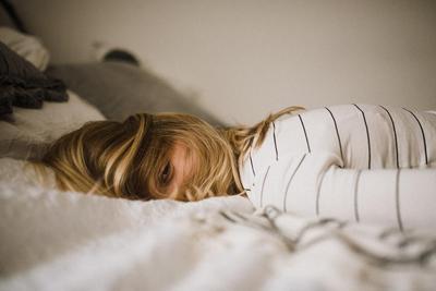 Sering Insomnia? Mungkin Kamu Kekurangan 7 Vitamin Ini