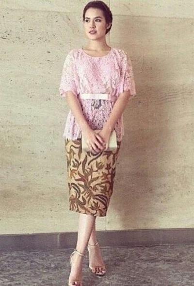 Model Rok Batik Pendek