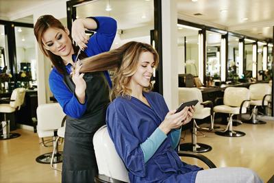 Potong Rambut Sampai Hair Coloring di 4 Salon Pilihan di Jakarta Selatan Ini
