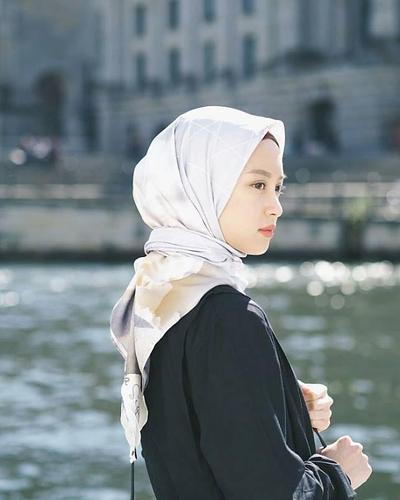 Hijab untuk Pesta Bahan Sutera