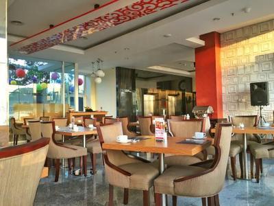5.  The Salis Hotel Setiabudi
