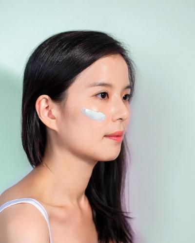 Makeup 101: Macam-macam Warna Primer Wajah dan Fungsinya