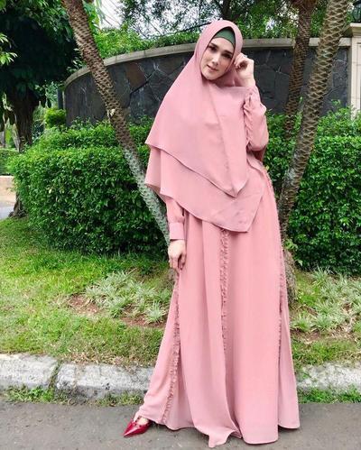 Mulan Jameela Hijrah, Lihat Cantiknya Dalam Balutan Hijab Syar'i