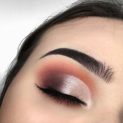 2. Eyeshadow Warna Terracotta