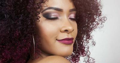 5. Eyeshadow Warna Ungu
