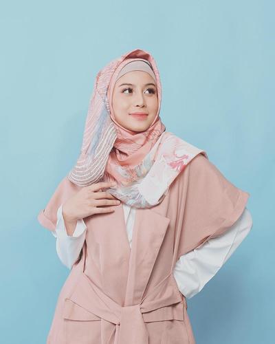 Outfit Nuansa Pastel yang Begitu Mempesona Layaknya Hijabers
