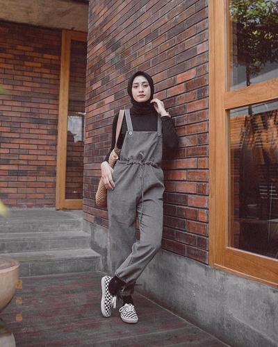 Hijab dan Non Hijab, Temukan Inspriasi Kece ke Kampus dalam Satu Minggu di Sini